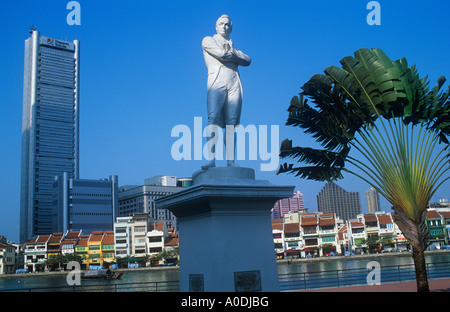 statue of Sir Stamford Raffles, Singapore River, North Boat Quay, Singapore - Stock Photo