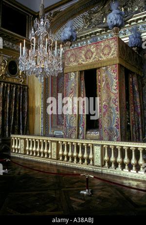 Palace of versailles chambre de la reine xviii me stock for Chambre de la reine versailles