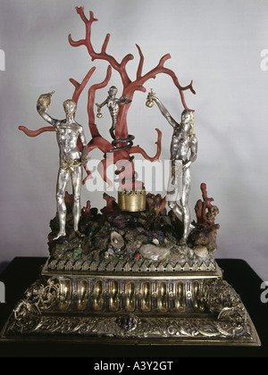 fine arts, religious art, Adam and Eve under tree of knowledge, centrepiece, first half 16th century, silver, gilded, - Stock Photo