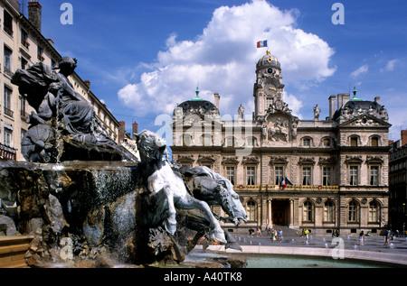 France town city hall Hotel de Ville and Fountain Place des Terreaux Presqu ile Lyon Rhone Valley - Stock Photo