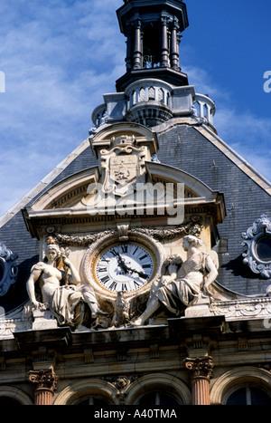 Lyon is the capital of the Rhône-Alpes région, France clock time - Stock Photo
