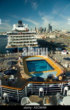 Celebrity summit cruise ship location