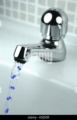 money down the drain concept (dollars) - Stockfoto