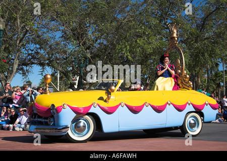 Snow White Disney Stars And Motor Car Parade Disney Mgm