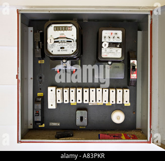 electric home fuse box wiring diagram rh augus me Electric Fuse Box Types Electric Fuse Box Types
