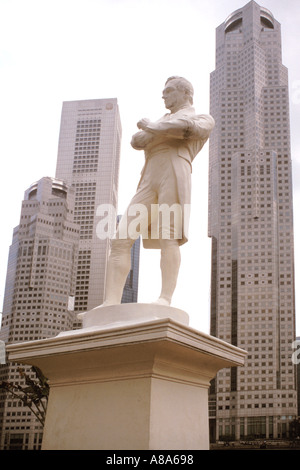 Statue of Sir Stamford Raffles Singapore - Stock Photo