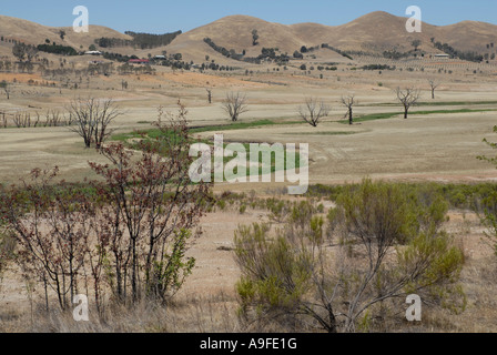 Vast barren Australian outback landscape with brown treeless plains Stock Photo, Royalty Free ...