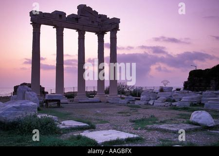 Apollo tempel side