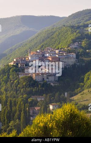 Etruscan walls & Medieval architecture of Italian Hill towns. Town Of Preci In Valnerina, Perugia, Monti Sibillini - Stock Photo