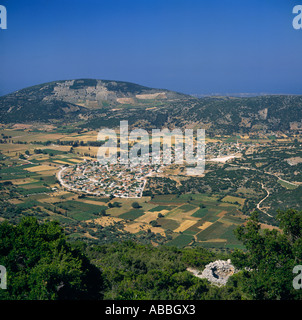 Looking down on village from Mount Enos surrounded by cultivated fields at Fragata Cephalonia Island Greek Islands - Stockfoto