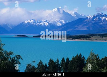 New Zealand s highest mountain named Aoraki or Mount Cook - Stock Photo