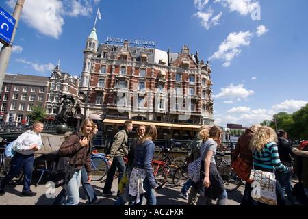 Amsterdam Hotel de l Europe school class - Stock Photo
