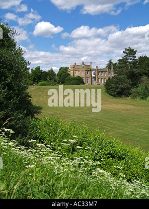 Nonsuch mansion in Nonsuch Park, Cheam, Surrey, England - Stockfoto