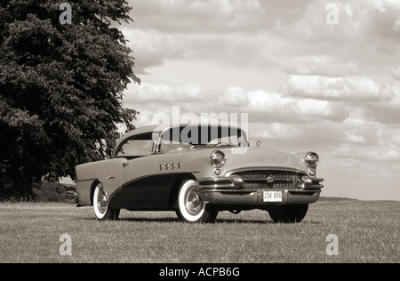 Buick Series 60 Century of 1955. - Stockfoto