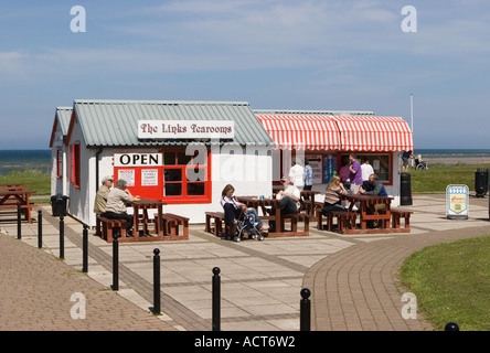 A seaside cafe british tea room beach cafe in saltburn by for 6 the terrace walberswick