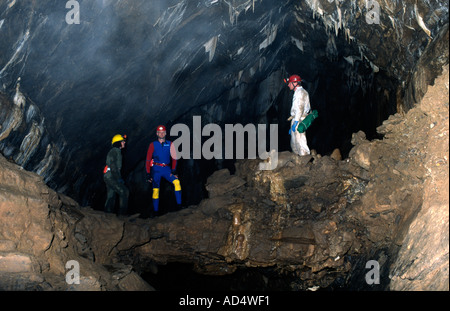 PICTURE CREDIT DOUG BLANE 3 cavers in GB Medips Great Britain - Stock Photo