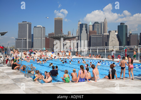 Floating Pool Lady Barge Brooklyn Bridge Park Beach With View Of Stock Photo 13437535 Alamy
