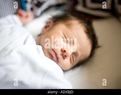 Schlafenden Baby boy - Stockfoto