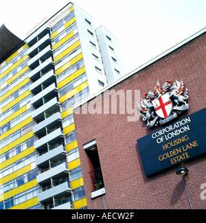 The Corporation of London sign at the Golden Lane Estate EC1 London England - Stockfoto