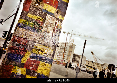 Piece of the Berlin Wall Potsdamer Platz, Berlin, Germany - while building work still ongoing - Image taken on a - Stockfoto