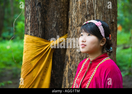 buddhist single women in tribes hill Discover thailand highlights once single rooms are sold out, women can secure a guaranteed to the remote northern hill tribes, you'll witness buddhist monks.