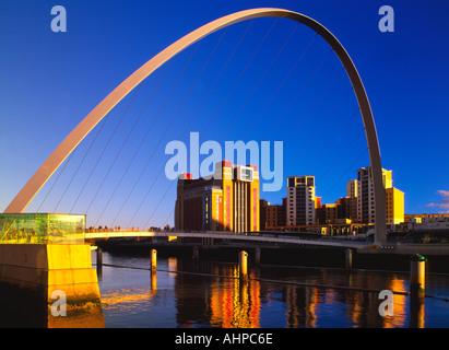 Millennium Bridge and the Baltic Mill Art Centre, Gateshead, Tyne and Wear, England, UK - Stock Photo