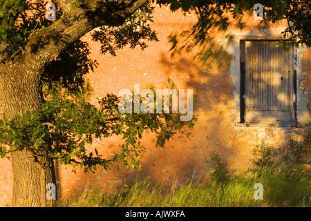 Italy Umbria Old stone barn - Stock Photo