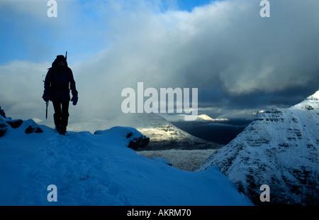 PICTURE CREDIT DOUG BLANE Dr Richard Spears winter mountaineering in Torridon Scotland Great Britain - Stock Photo