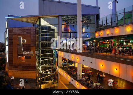 shopping center el muelle las palmas de gran canaria spain stock photo 15095356 alamy. Black Bedroom Furniture Sets. Home Design Ideas