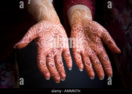Henna on hands - Stockfoto