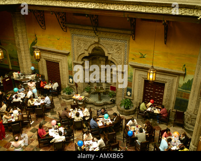 The casa de los azulejos or house of tiles mexico city for Sanborns azulejos restaurante
