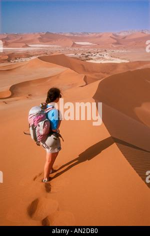 Walking in Namib desert Namibia - Stockfoto