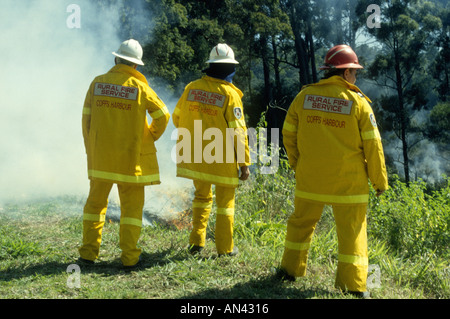Volunteer Rural Fire Service Firefighters at a bushfire, Australia. - Stock Photo