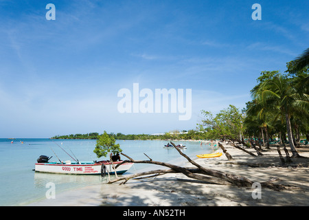 Beach outside 'Riu Negril' Hotel, Bloody Bay, Negril, Jamaica, Caribbean, West Indies - Stock Photo