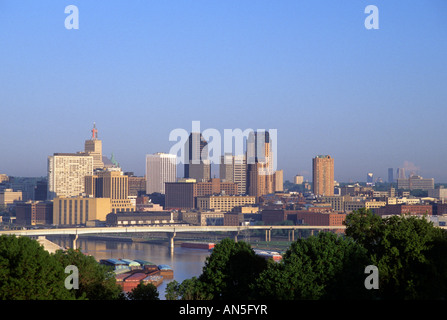 VIEW OF ST. PAUL, MINNESOTA SKYLINE AND MISSISSIPPI RIVER FROM INDIAN MOUNDS PARK. SUMMER. - Stock Photo