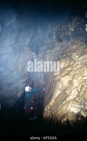 PICTURE CREDIT DOUG BALNE Richard Boud caving in Giants Cave Derbyshire Peak District National Park - Stock Photo