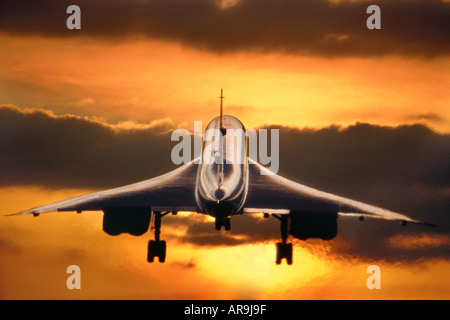 BAC BAE Aerospatiale Concorde supersonic jet thrust British Airways from London Heathrow airport to New York  flying - Stock Photo