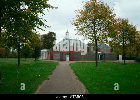 The Serpentine Gallery in Hyde Park - Stock Photo
