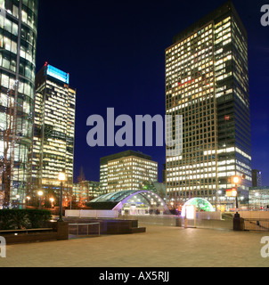 Canary Wharf and Canada Square, entry to underground station and skyscrapers at London's Docklands, London, England, - Stockfoto