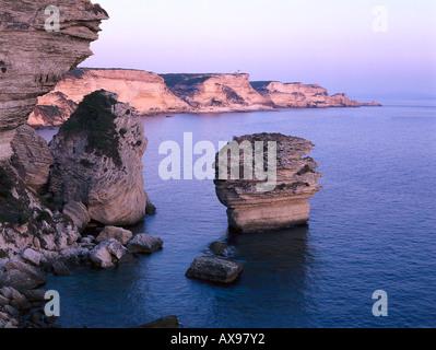 Falaises, cliffs, near Bonifacio, Bonifacio Corsica, France - Stockfoto
