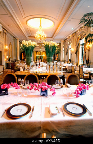 France paris french restaurant le v le cinq haute for George v dining room