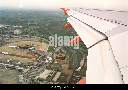 'Easy Jet' aeroplane departs from Gatwick airport Sussex England HOMER SYKES - Stock Photo