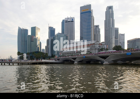 Financial District of Singapore behind Marina Bay, Singapore, Southeast Asia - Stock Photo