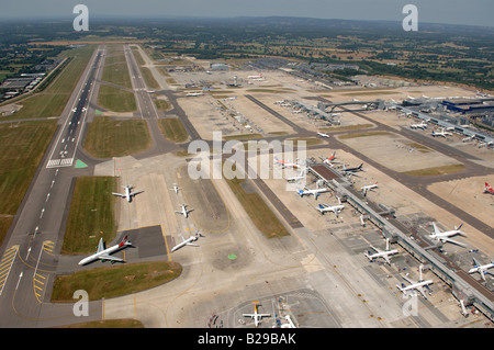 Gatwick Airport Date 12 03 2008 Ref ZB648 111149 0034 COMPULSORY CREDIT World Pictures Photoshot - Stock Photo
