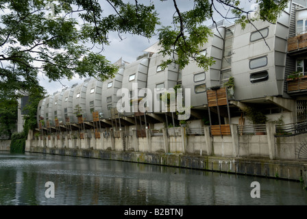 Futuristic houses in row by Grand Union Canal, London - Stock Photo