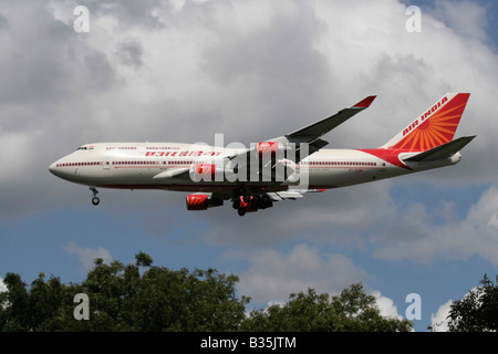 Air India Boeing 747-400 on approach to Heathrow Airport, London - Stock Photo