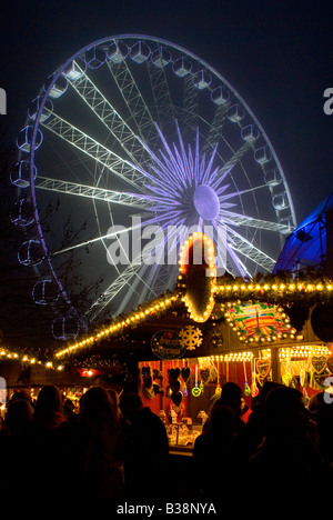 HYDE PARK LONDON CHRISTMAS TIME WINTER WONDERLAND CHRISTMAS MARKETS AND FUN FAIR RIDES - Stock Photo
