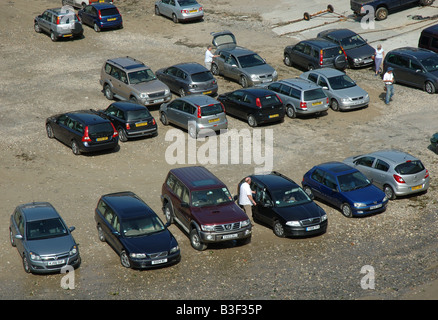 cars parked on beach, Port Issac, Cornwall, England, UK - Stock Photo