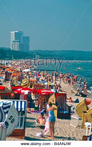 bathing beach bathers timmendorfer strand luebecker bucht baltic sea stock photo royalty free. Black Bedroom Furniture Sets. Home Design Ideas