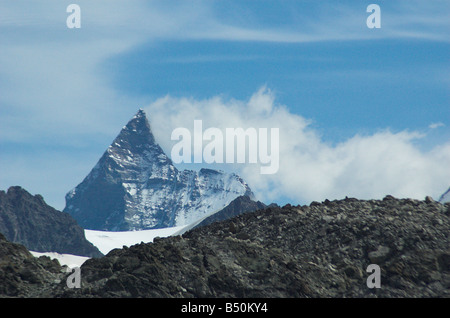 The Matterhorn from the West, with banner cloud. - Stockfoto